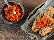 Рецепта Домашна едросмляна лютеница със зрели домати и печени чушки / пиперки